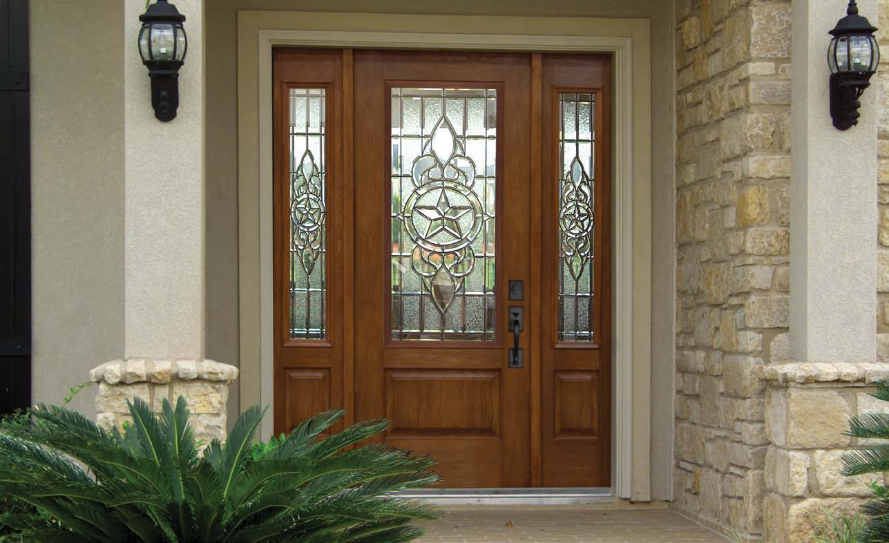 How to create curb appeal eye catching home design for Front door and sidelights