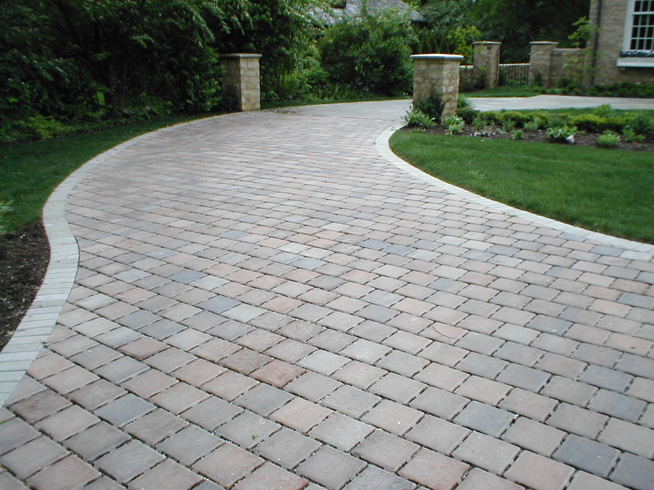 Flat Driveway Edging Can Be Delicately Simple To The Extraordinarily